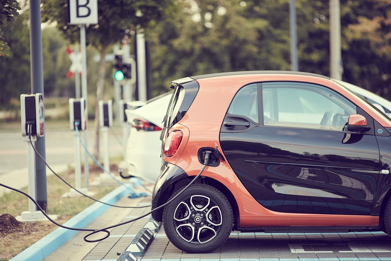 Achat d'une voiture électrique : les intentions des Français
